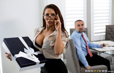 Madison Ivy, Keiran Lee – Die Assistenten-Affäre – Brazzers Exxtra (Brazzers)